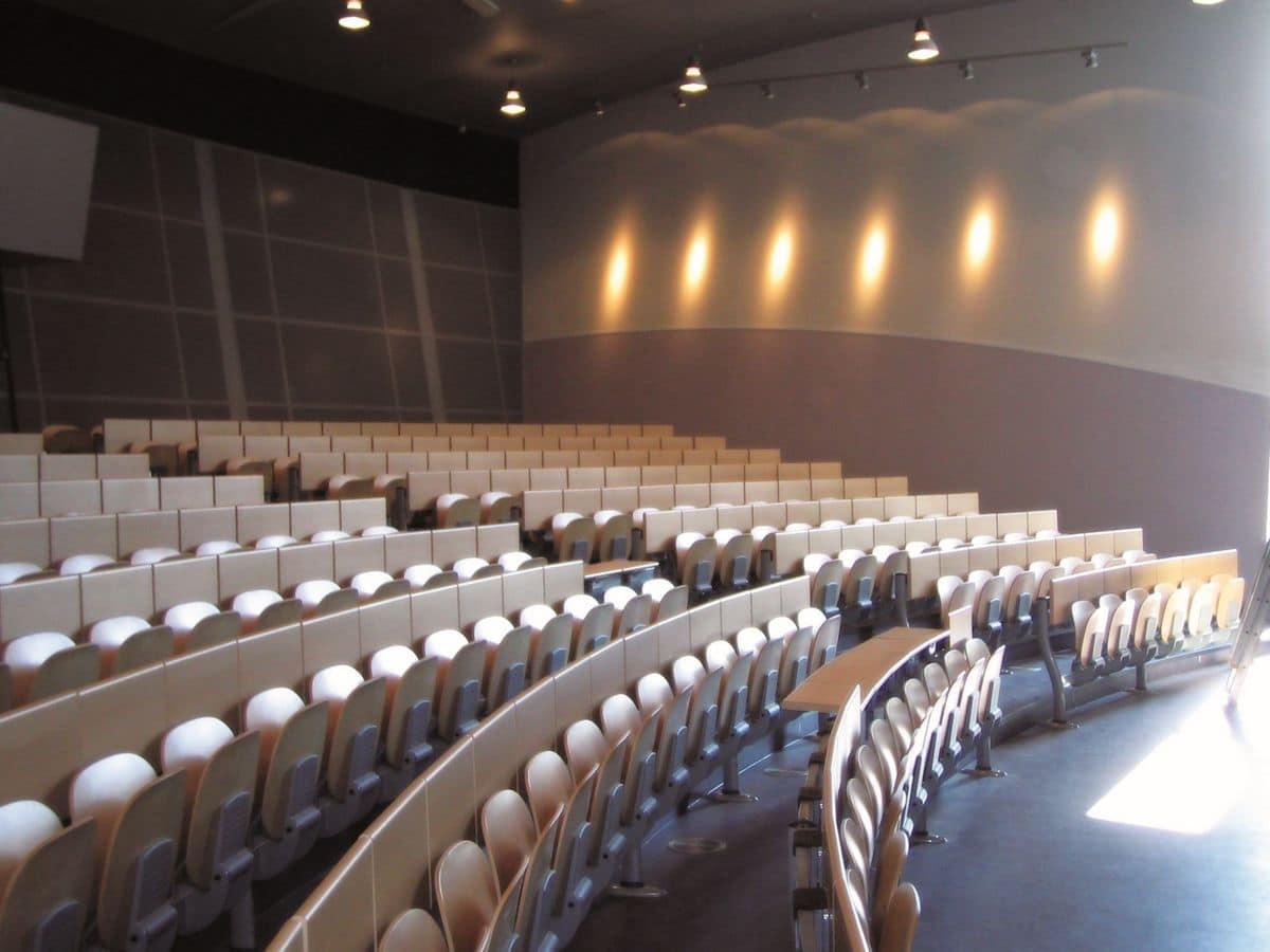 Copernico, Sedute per aule universitarie, in legno e metallo