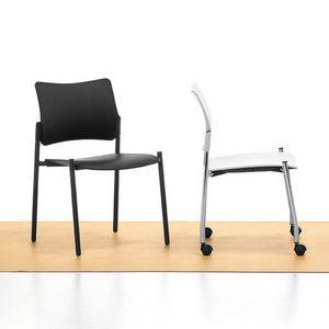 Urban Plastic 01, Sedia impilabile in acciaio, seduta e schienale in polipropilene