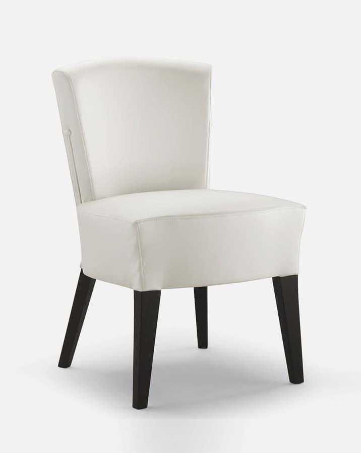 Sedia in legno imbottita comoda per hotel idfdesign for Sedia design comoda
