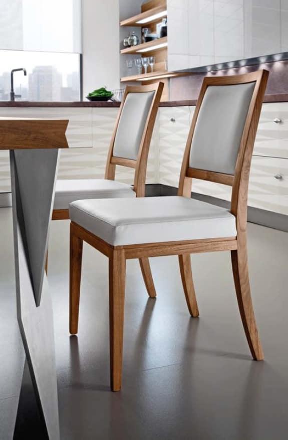 Sedie In Legno Rivestite In Pelle.Sedia In Noce Rivestita In Pelle Per Case Moderne Idfdesign