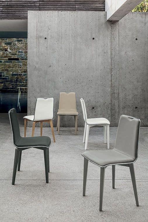 Sedia con struttura in legno massello seduta e schienale for Sedie design italiano
