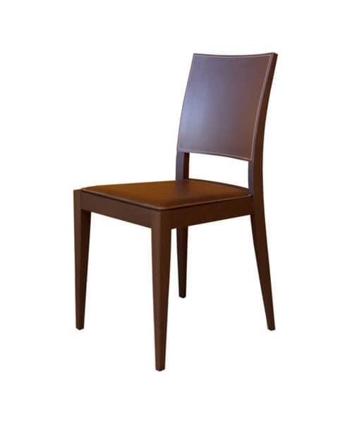 sedia in faggio seduta e schienale rivestiti in cuoio