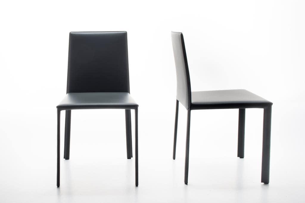 Sedia in cuoio rigenerato, lineare ed eclettica | IDFdesign