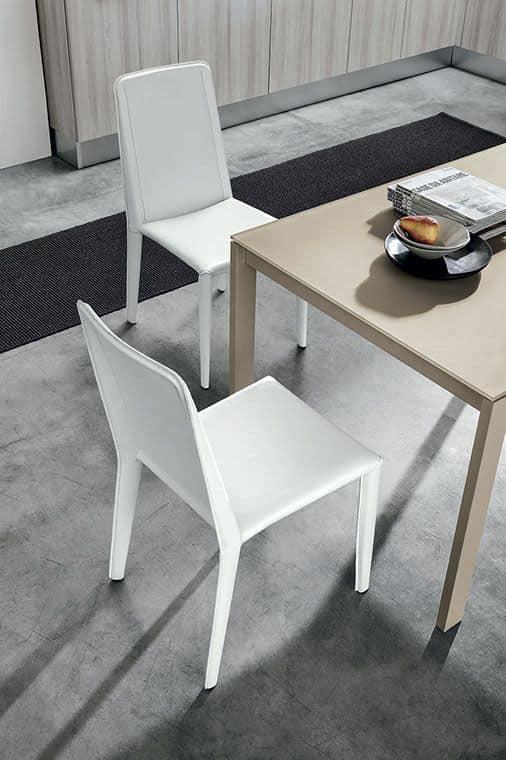Sedia completamente ricoperta di rigenerato di fibre di for Sedie stile moderno