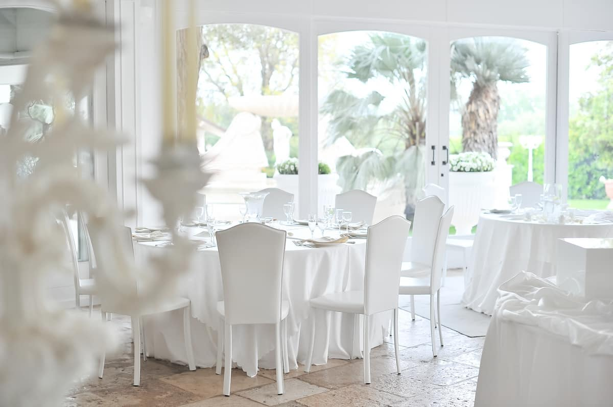 Charme, Sedia in cuoio, dalle linee classiche, per la sala da pranzo
