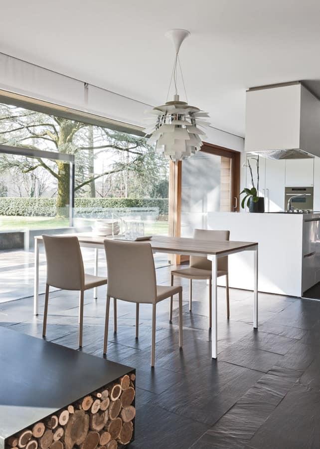 Sedia da pranzo in metallo e pelle semplice soggiorno for Sedie da cucina in metallo