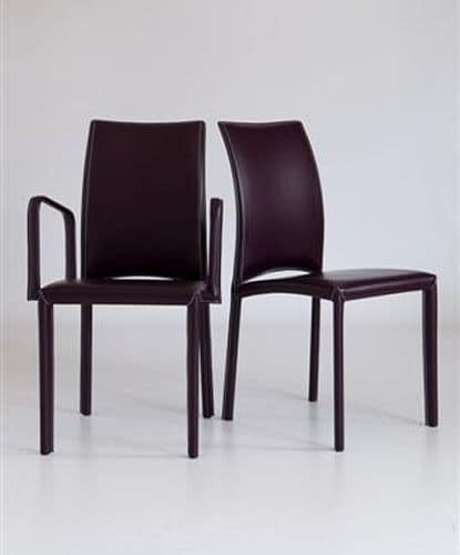 Sedia con braccioli completamente rivestita in cuoio per for Sedie con braccioli
