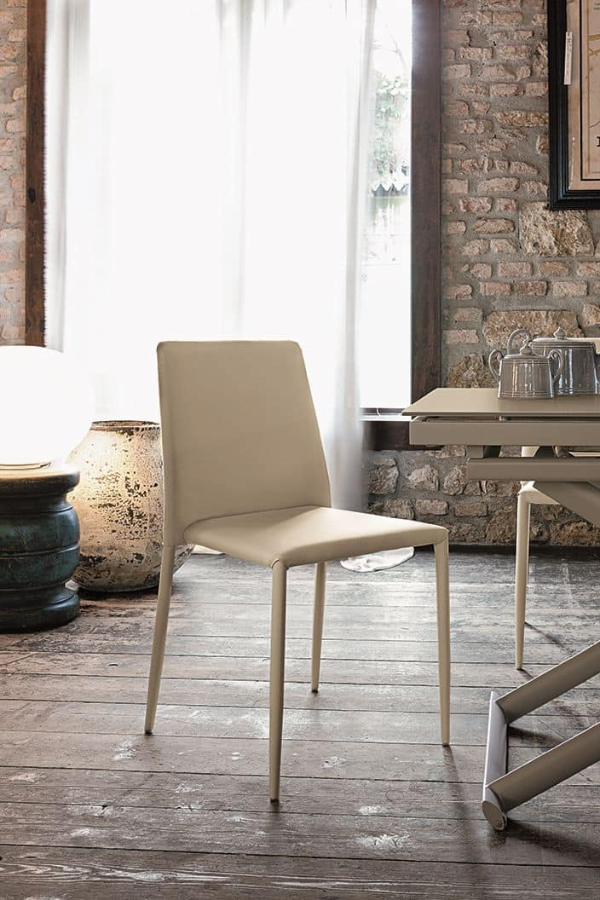Sedia moderna rivestita in pelle per cucine e bar idfdesign for Pelle per rivestimento sedie