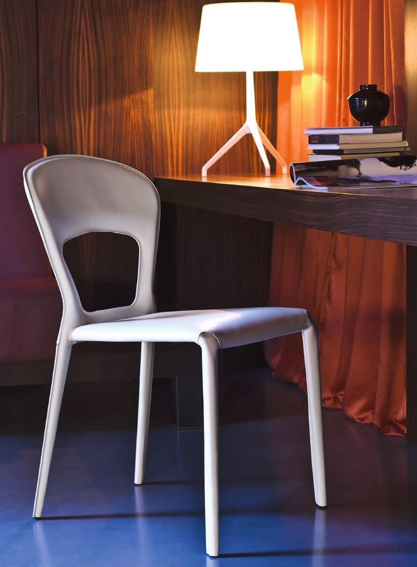 Sedia rivestita in pelle vari colori per sala riunioni for Colori per sala