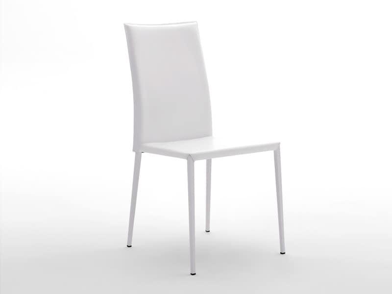 Sedia con base in acciaio rivestita in pelle per uso domestico