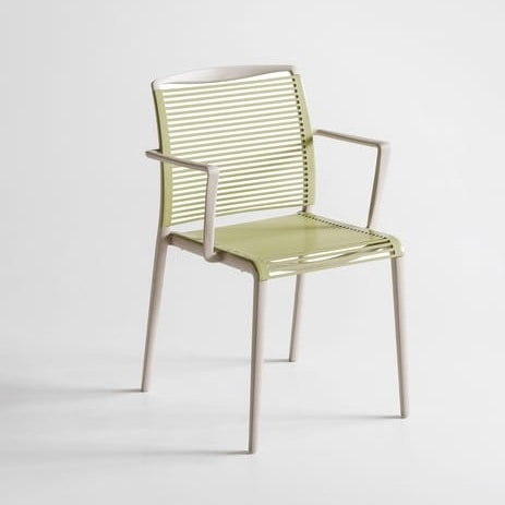 Sedia design in tecnopolimero con braccioli integrati for Sedie con braccioli