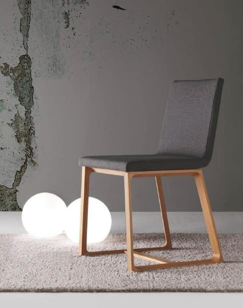 Sedia da pranzo in legno imbottita rivestimento for Sedie tessuto design