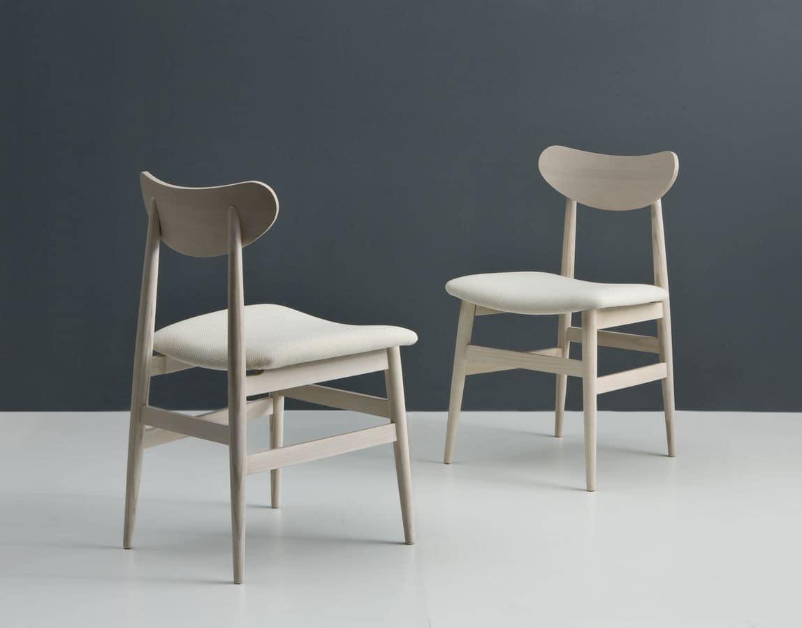 Sedia in legno con seduta imbottita adatta per cucine idfdesign - Sedie in legno design ...
