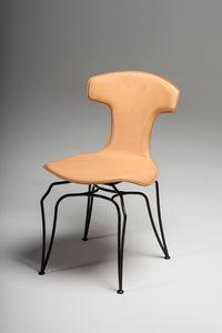 Jole sedia, Sedia rivestita in cuoio, con innovativa base in acciaio nero