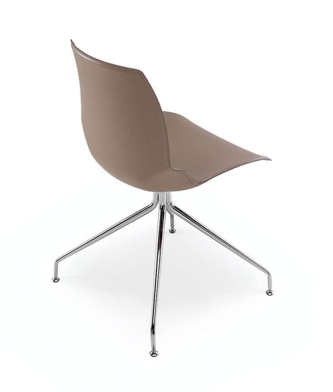 Sedia con base in metallo e scocca rivestita in cuoio for Sedie design metallo