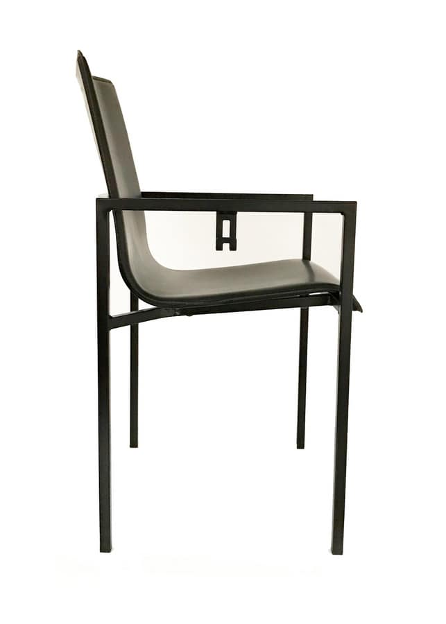 Sedie Metallo Pelle.Sedia In Metallo E Pelle Con Gancio Portaborse Idfdesign