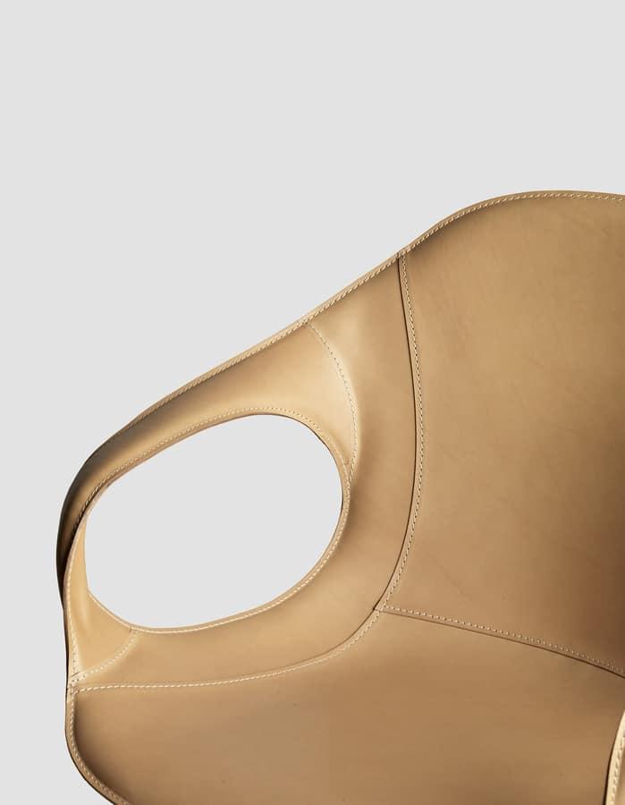Elephant Four Legs, Sedia confortevole in poliuretano e gambe in acciaio