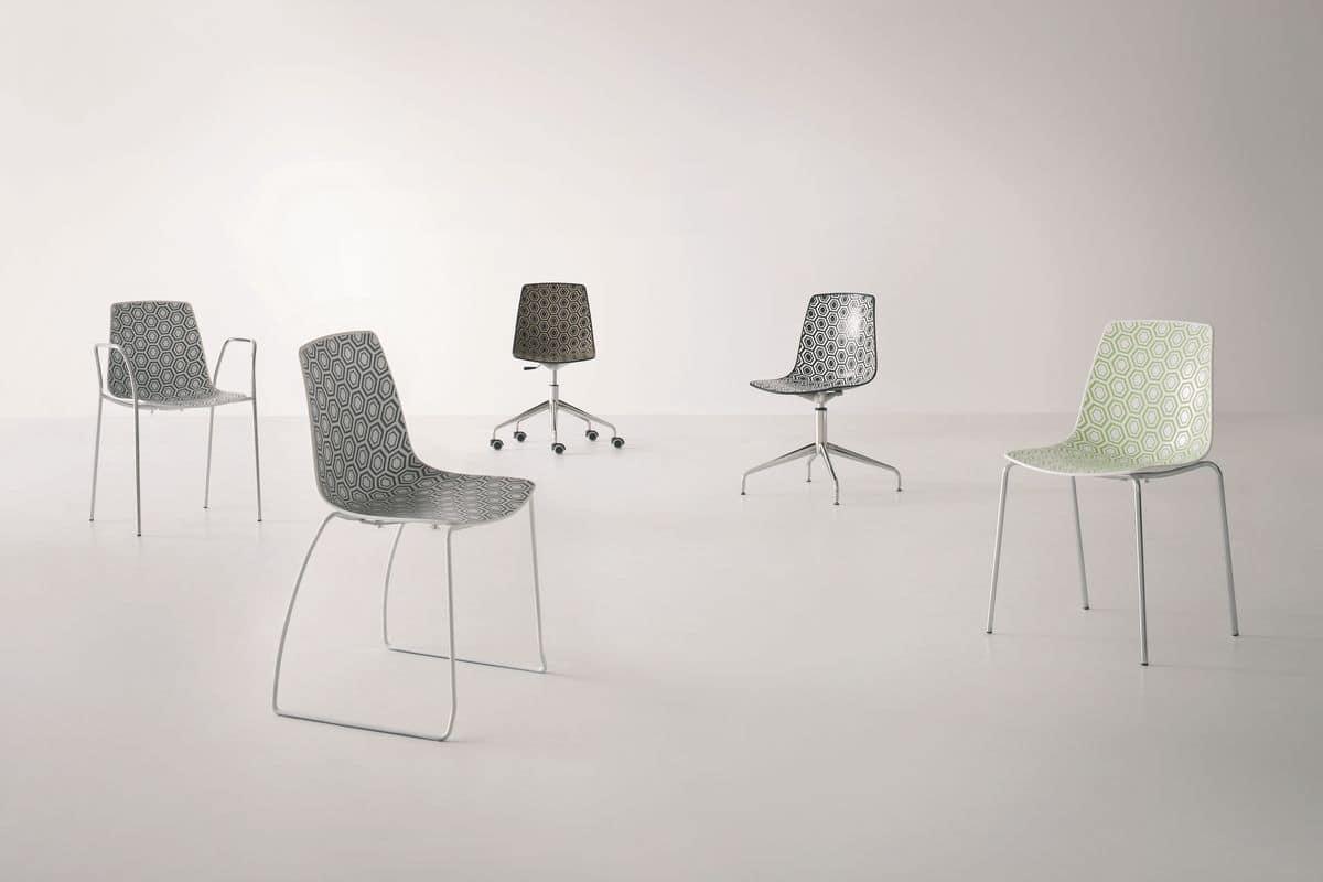Sedia con base girevole con ruote per ufficio idfdesign for Sedie ufficio design