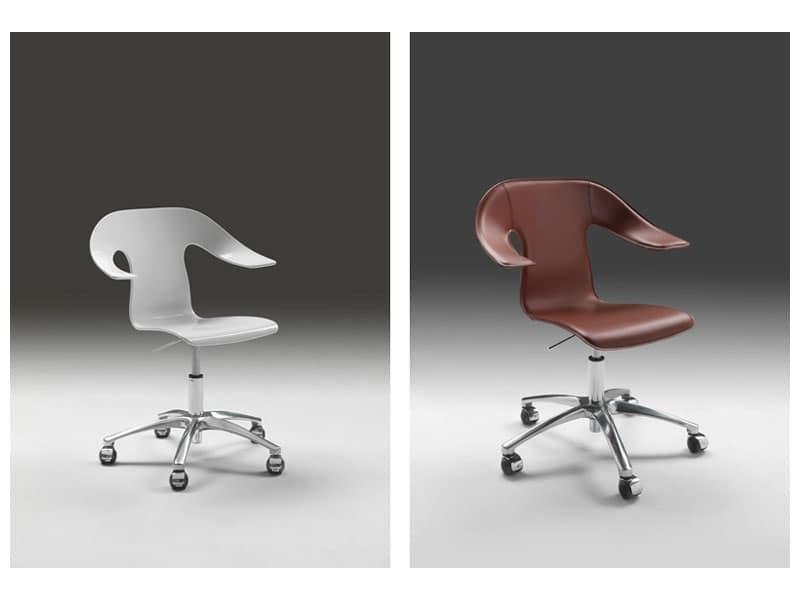 Poltroncina girevole su ruote altezza regolabile idfdesign for Negozi sedie ufficio