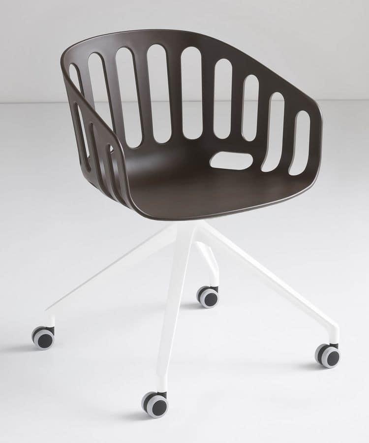 Sedia girevole con base in alluminio a 4 razze con ruote for Sedie ufficio design
