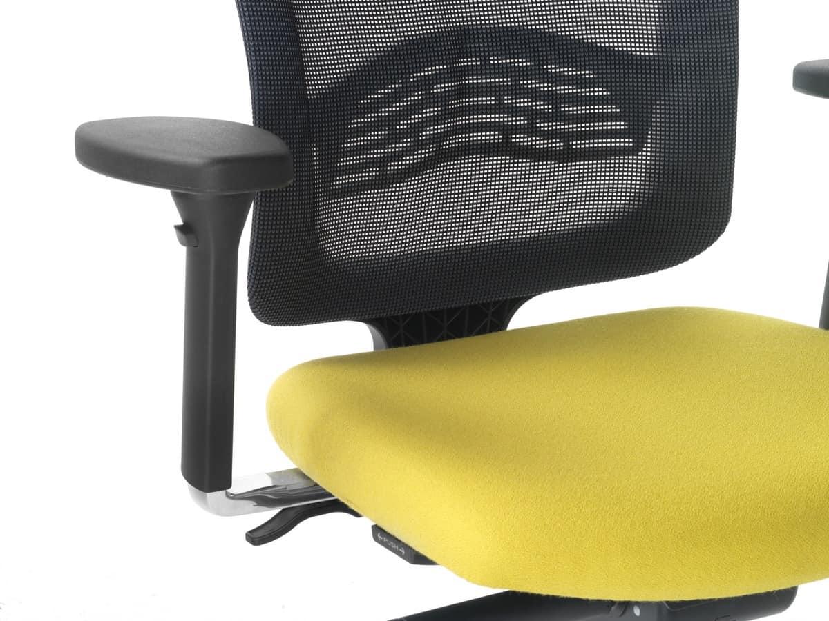 Sedia ufficio con schienale in rete e alzata a gas for Sedie ufficio design outlet