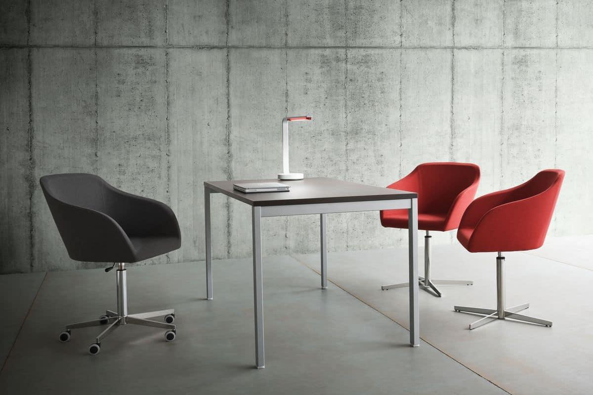 Sedia con base in metallo alzata a gas per ufficio for Sedie ufficio design