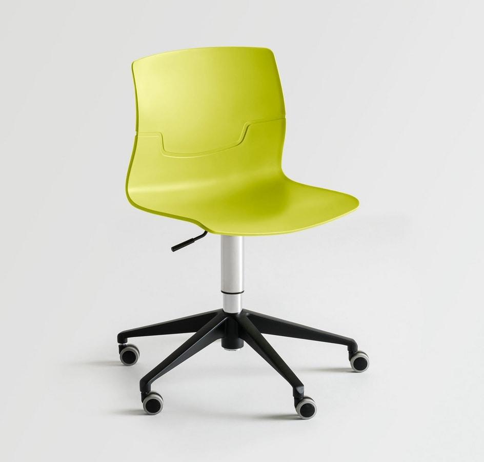 Sedia girevole con ruote scocca in polimero idfdesign for Fenice design sedie ufficio