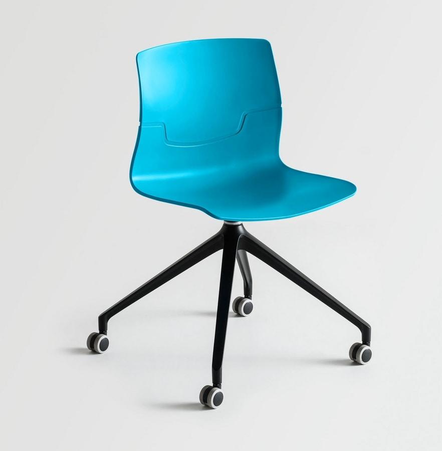 Sedia girevole su ruote a 4 razze seduta in polimero for Sedie ufficio design milano