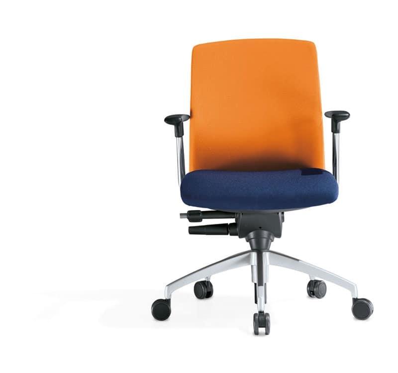 Sedia operativa per ufficio girevole idfdesign for Negozi sedie ufficio