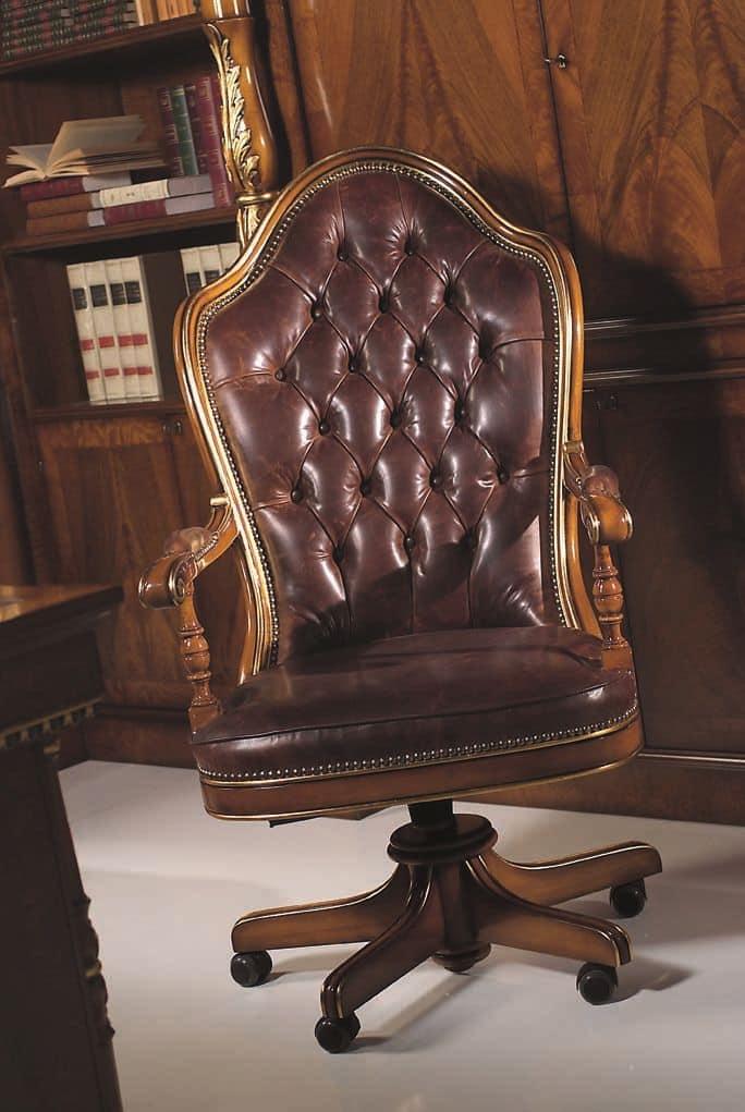 641, Poltrona classica di lusso, struttura in legno di faggio, base con ruote, seduta e schienale imbottiti, rivestimento in pelle, ideale per studi e uffici