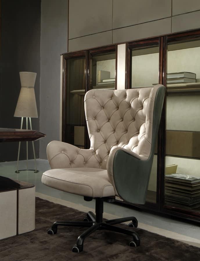 Poltrona girevole per ufficio in stile classico idfdesign for Sedie e poltrone per ufficio