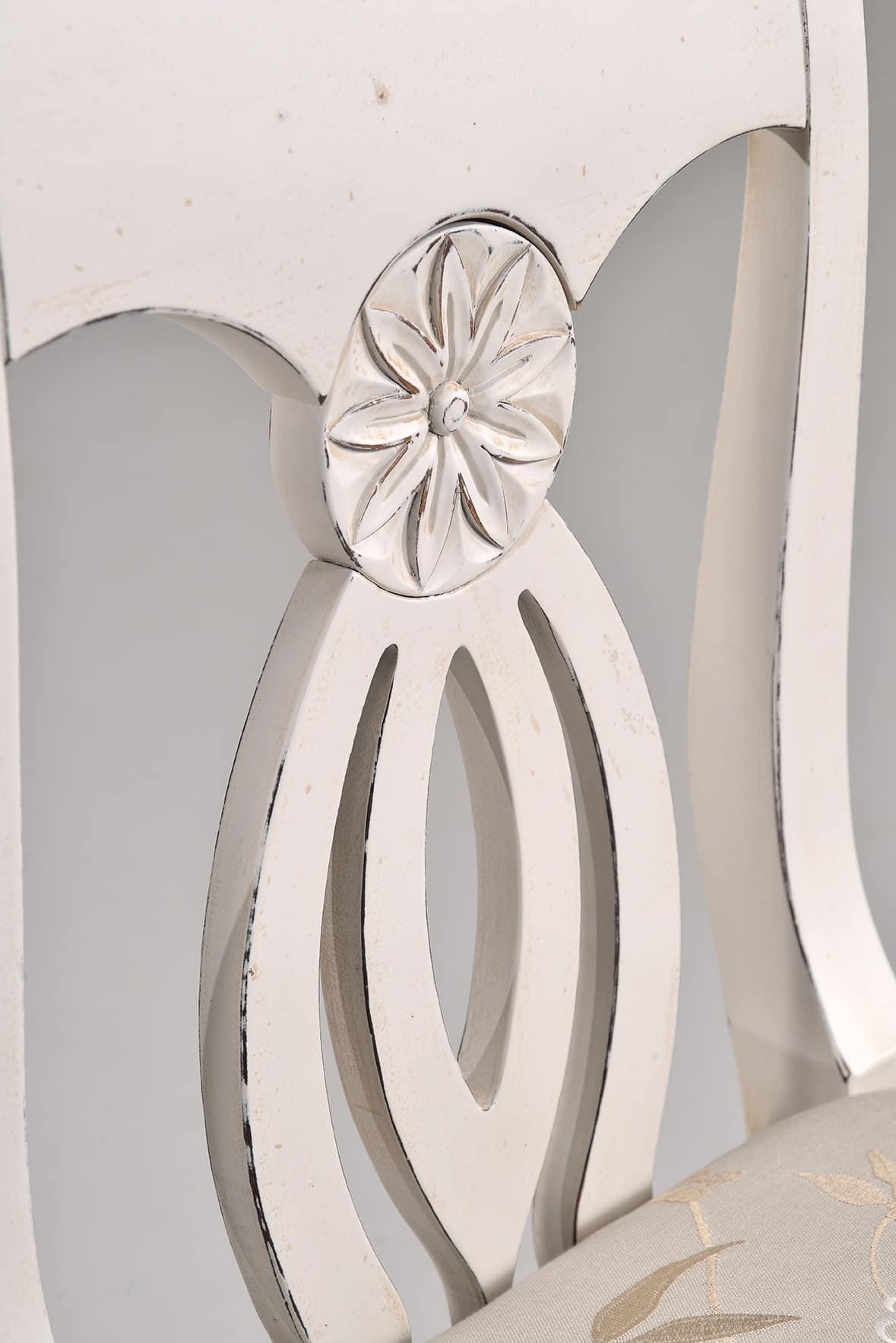 TRACY sedia 8296S, Sedia in faggio con schienale decorato e intagliato