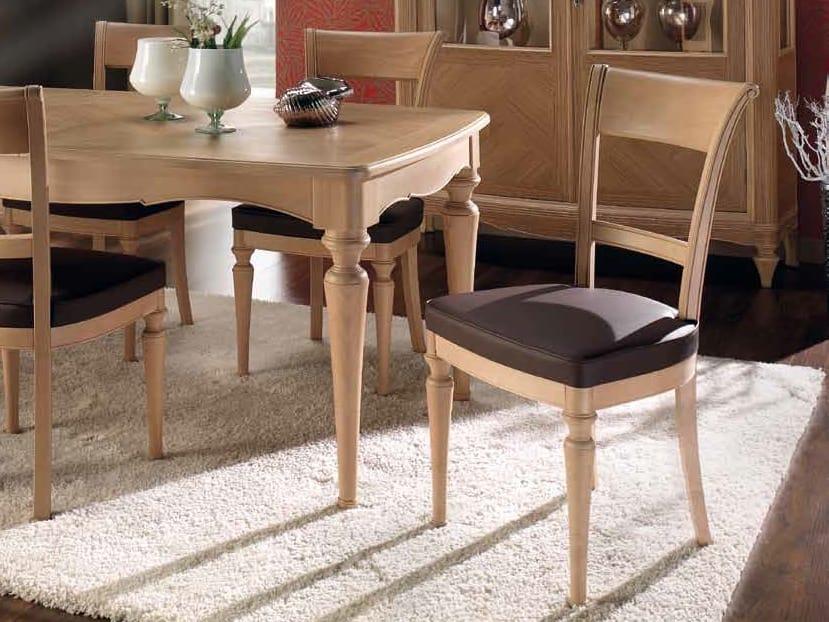 Chanel sedia, Sedia da pranzo in legno