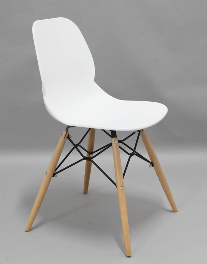 Sedia in polipropilene con gambe in legno idfdesign for Sedie design legno naturale