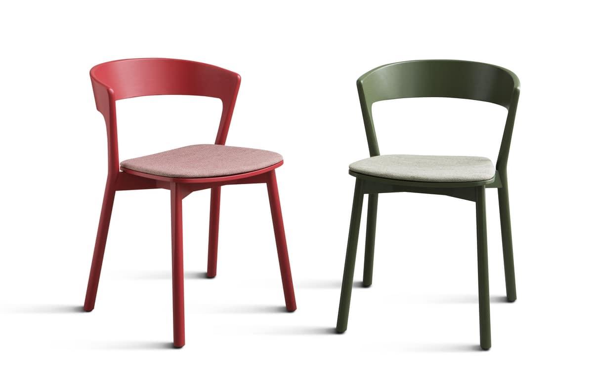 Sedia in legno massello verniciato, con seduta imbottita   IDFdesign