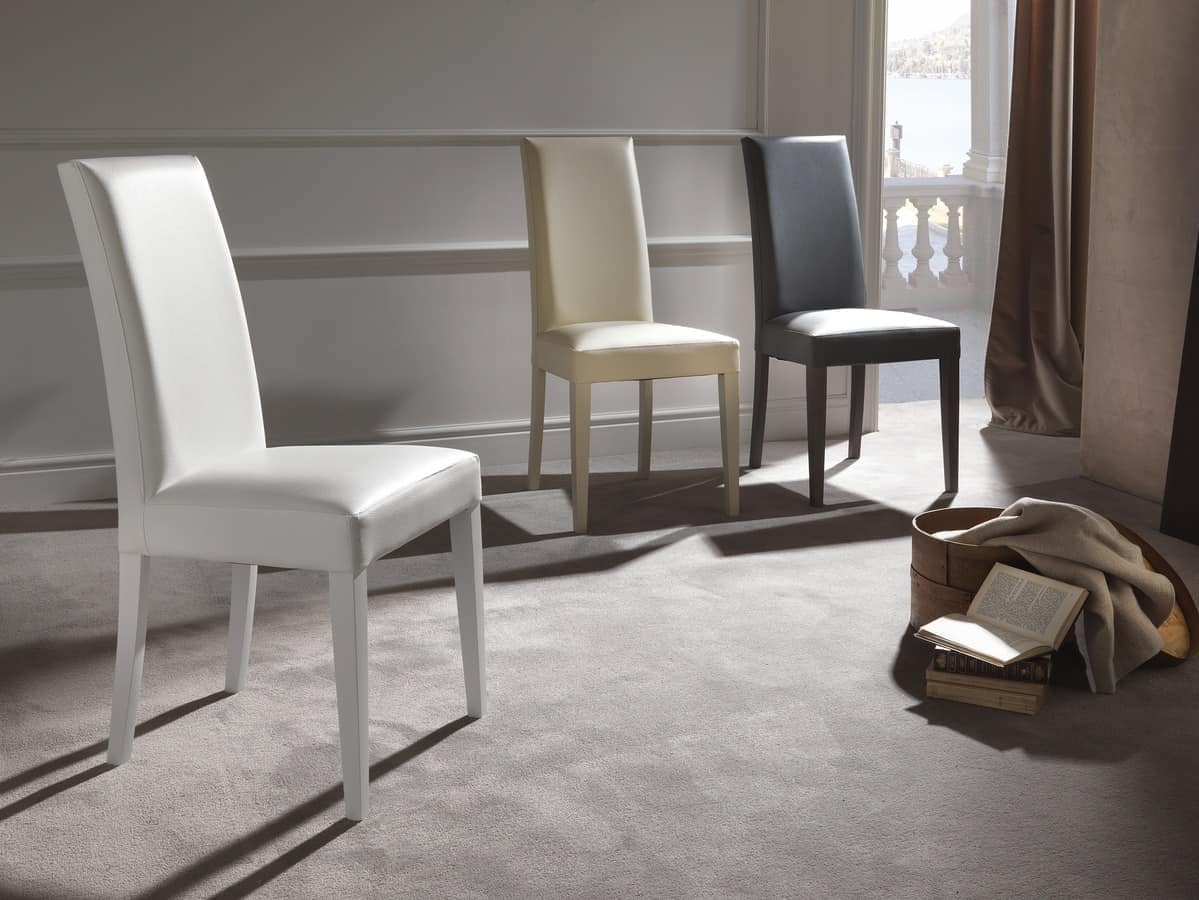sedia imbottita in ecopelle gambe in legno finitura