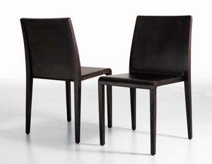 Young, Elegante sedia in legno