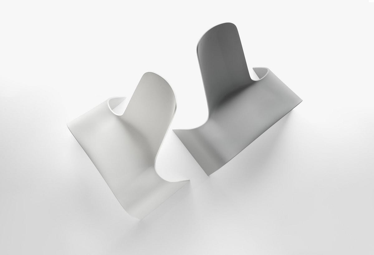 Land mod. 1100-00, Lounge chair in plastica colorata