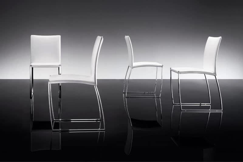 ART. 251 DIAMOND SEDIA, Elegante sedia rivestita in cuoio, base in metallo