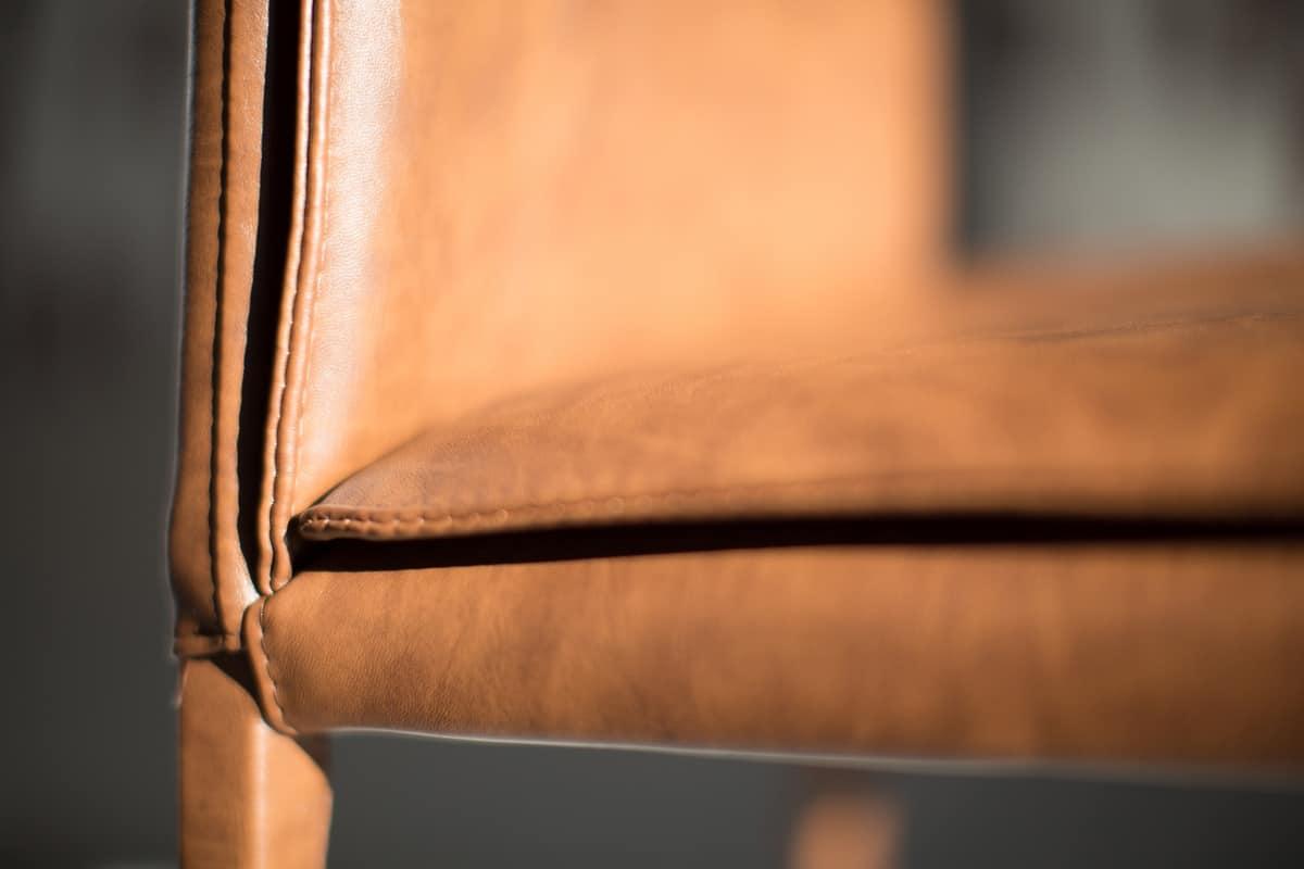 Borso Top, Sedia in metallo imbottita adatta per sale da pranzo moderne