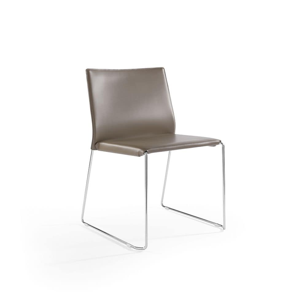 Sedia impilabile con base a slitta rivestimento in pelle for Rivestimento sedie