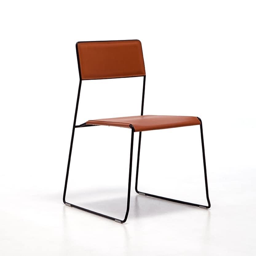 Sedia in metallo impilabile e comodamente trasportabile for Sedie design metallo