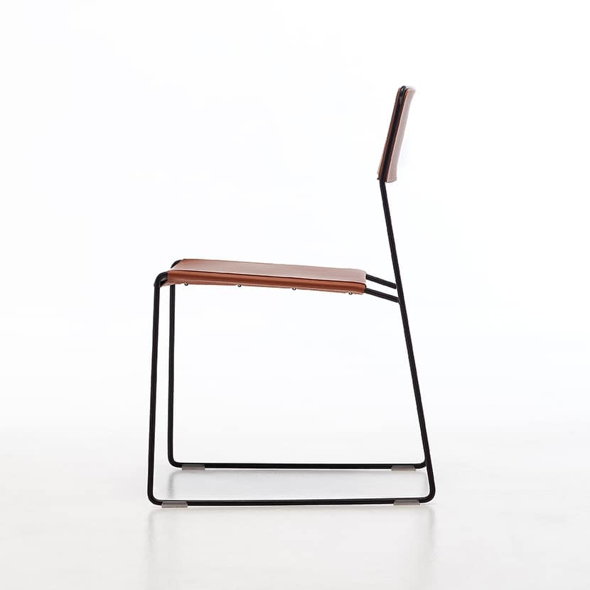 Sedie in metallo schienale e seduta in pelle rigenerata for Sedie design metallo