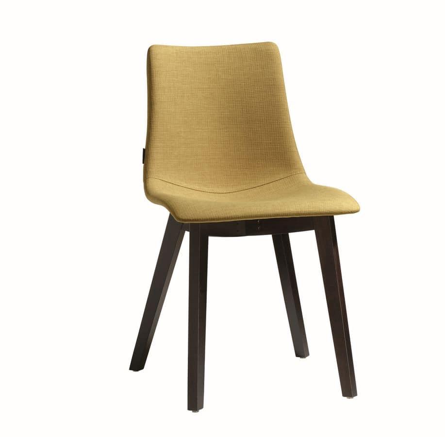 Sedia con scocca imbottita gambe in legno idfdesign for Sedie moderne design