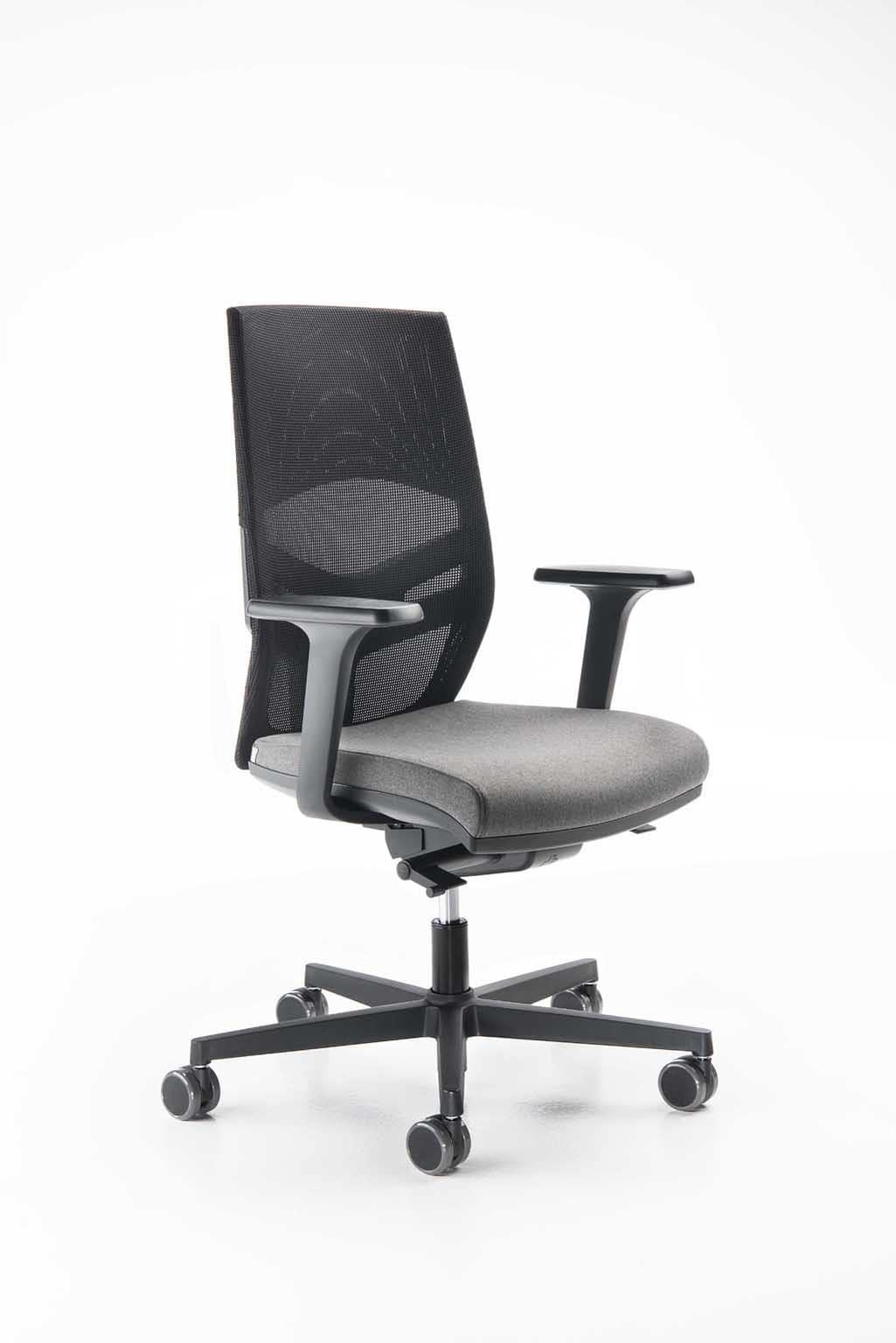 Sedia per ufficio moderna elegante regolabile idfdesign for Sedie ufficio design