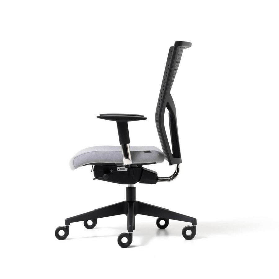 Sedia operativa con schienale in polipropilene regolabile for Sedie ufficio