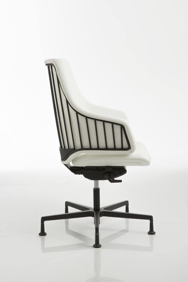 Sedia per ufficio con base in alluminio su piedini idfdesign for Sedie design italia