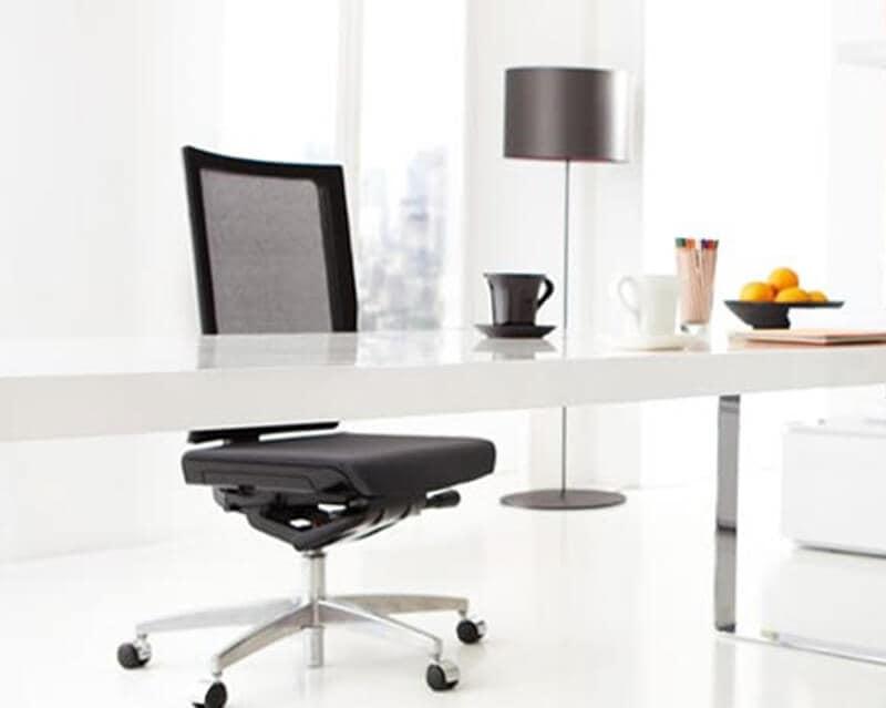 Sedia operativa ergonomica braccioli girevole per for Fenice design sedie ufficio