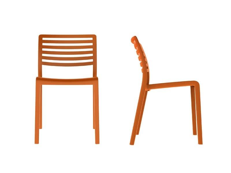 Sedia in plastica con schienale a doghe orizzontali for Sedie plastica moderne