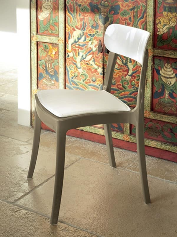New retr prezzo sedie moderne in plastica bar idfdesign for Sedie vintage design
